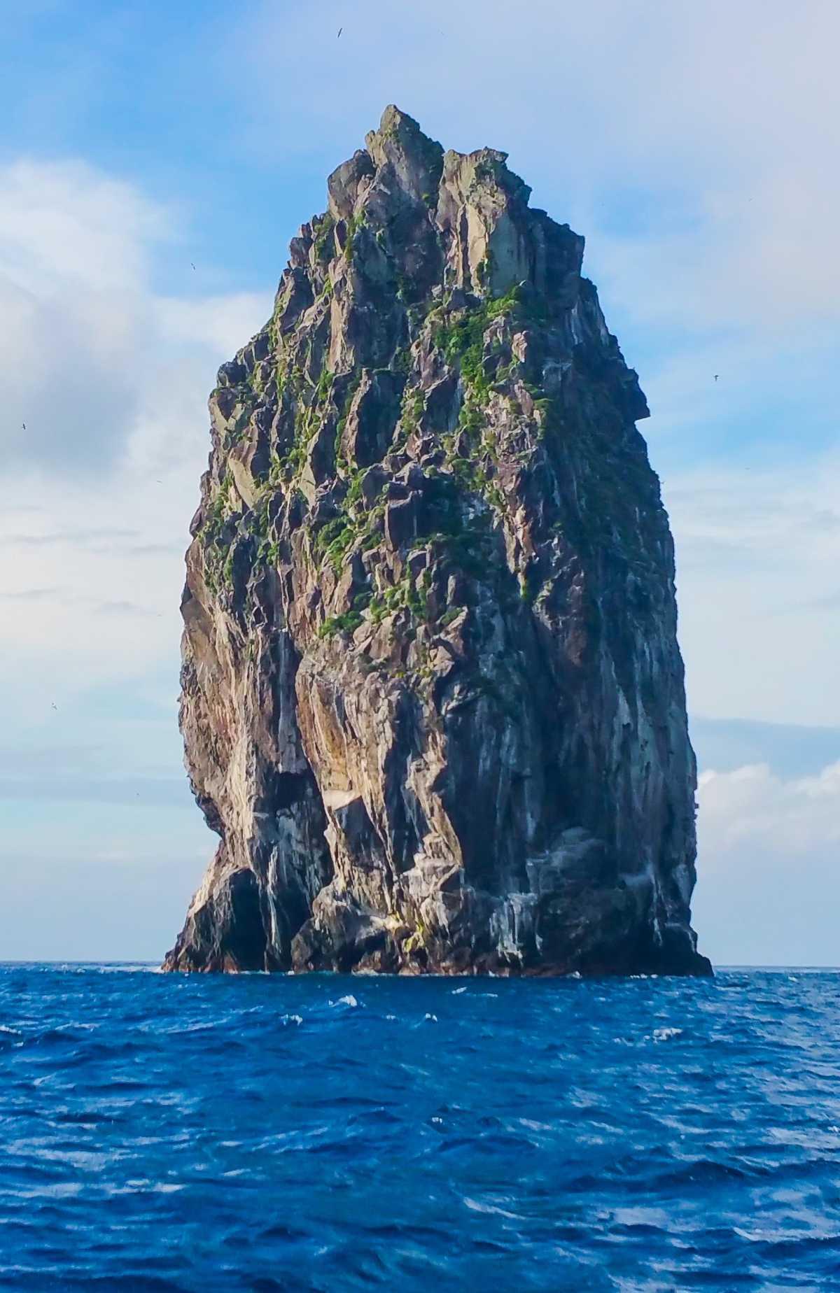 臥蛇島 (がじゃじま)