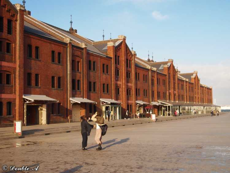 Black Of 100 Year Tiles & Red Of Bricks.  Warehouses With Beautiful Contrast Of History At A Port Of Yokohama   Review of Yokohama Red Bricks Warehouse