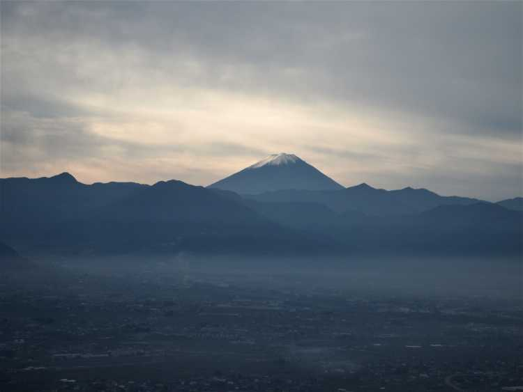 Mt.Fuji In The Sea Of Clouds.   Review of Fruit Park Fujiya Hotel