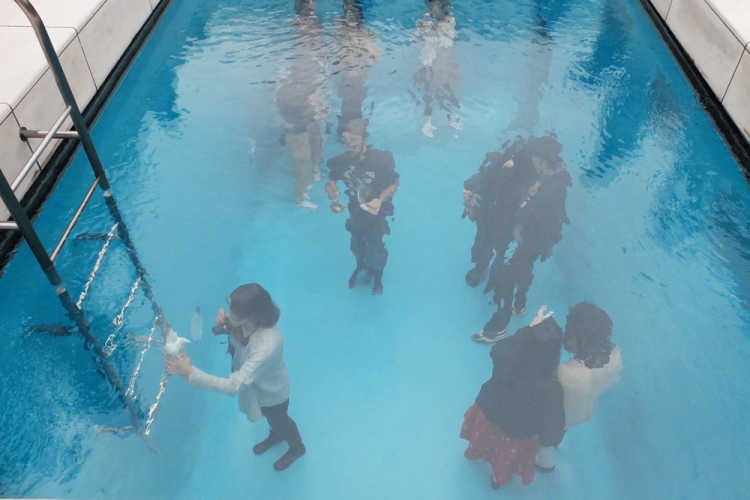 A Symbolic Art Of This Museum 'The Swimming Pool' | Review of 21st Century Museum Of Contemporary Art Kanazawa