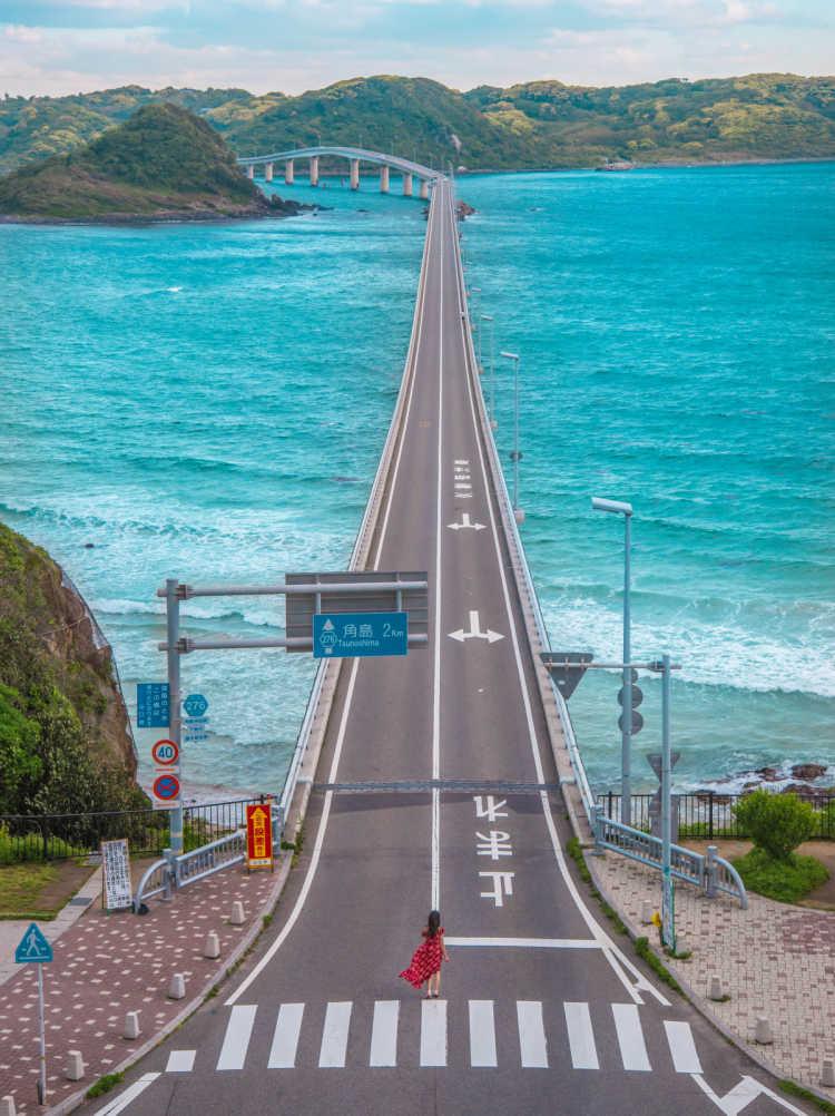 コバルトブルーの海にかかる長い橋   角島大橋の口コミ