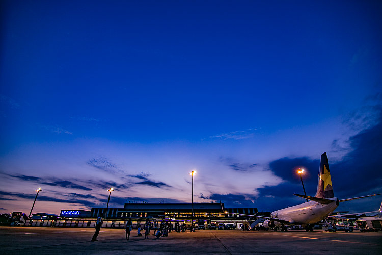 Airplane Fans Must Like It!  An Airport You Can Feel The Powerful Planes Very Close | Review of Ibaraki Airport